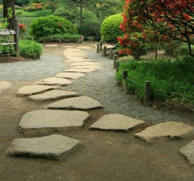 Consejos para realizar caminos en el jardin